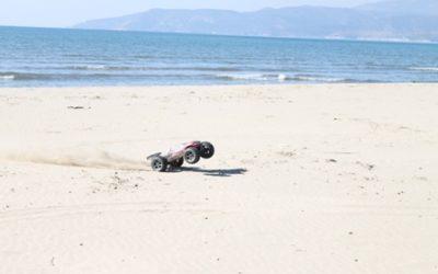 Revo kumsalda denizi görünce